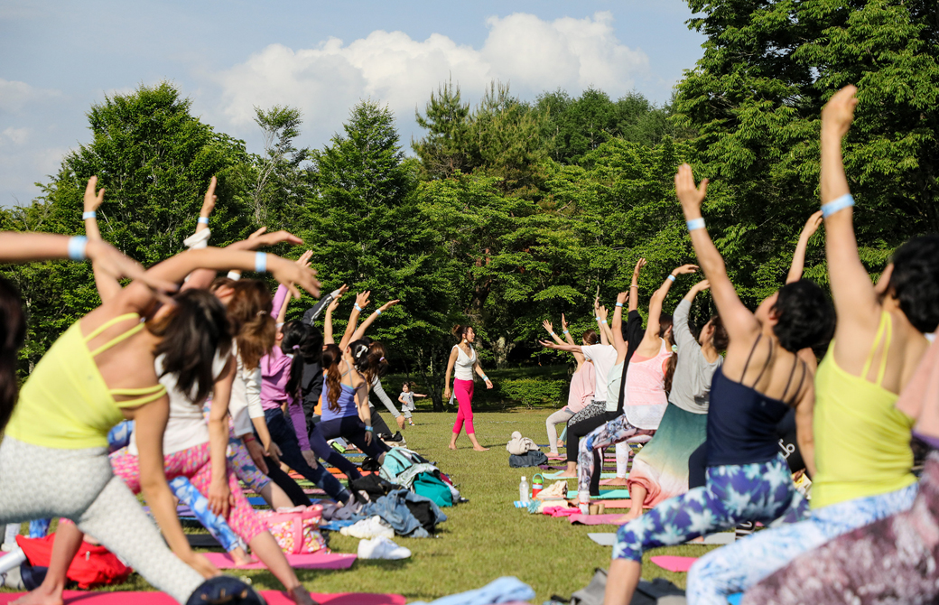 世界遺産yoga2019屋外ヨガ風景