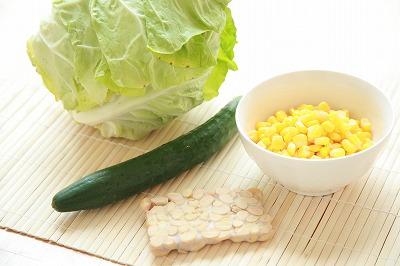 バンバンジー風味なテンペのピーナッツバターサラダ1