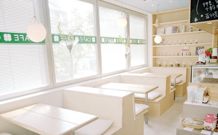 GARDEN CAFE / 東京・表参道 店内