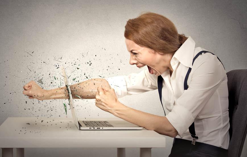 まずは深呼吸!ヨガスートラに学ぶ|上司の理不尽さにイラッとした時の対処法