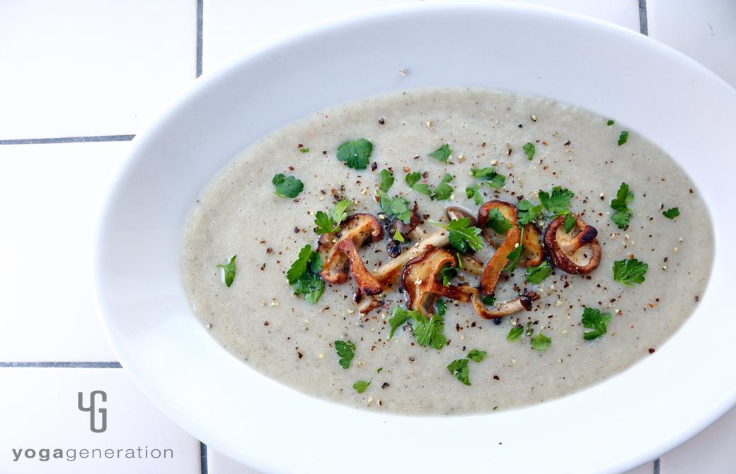フェンネル香るいろいろキノコたちのクリーミィー・スープ